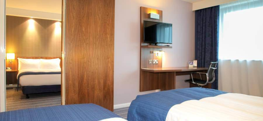 Holiday Inn Express Heathrow Family four room